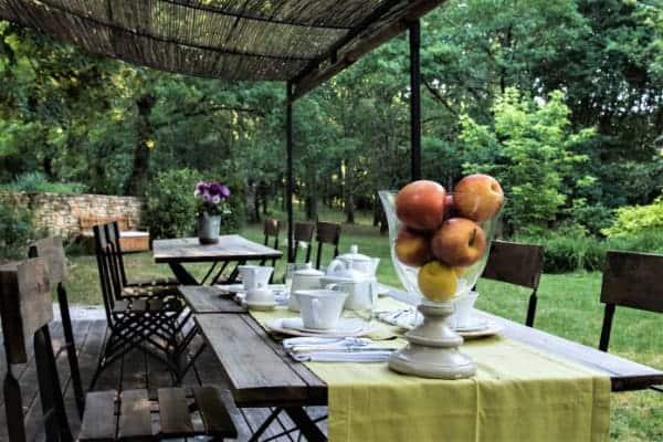 chambres et table d hotes sarlatet prendre un petit dejeuner en terrasse à sarlat
